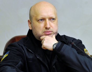 No blockade of occupied territories in Donbas without approval of Poroshenko – Turchynov