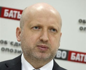 Operation to shut down Ukrainian-Russian border over - Turchynov