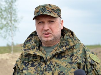 "Turchynov calls actions of U.S., France and Britain in Syria ""just punishment"""