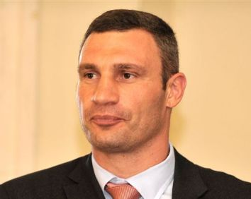 Klitschko tells WBC president about his intention to run for Ukraine's presidency in 2015