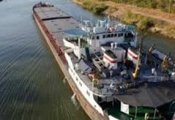 Infrastructure ministry proposes closing rivers for Russian vessels