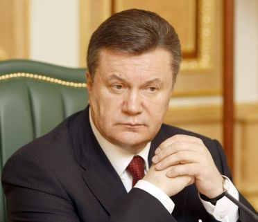 Yanukovych trails all opposition rivals in polls