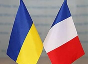 Poroshenko, French senators discuss Donbas, Crimea
