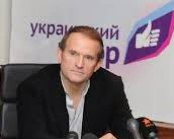 Prosecution says Yanukovych phoned Medvedchuk during Maidan protests, ex-president denies this