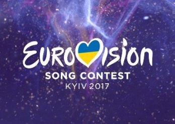 Klitschko hands over symbolic Eurovision key to Lisbon mayor