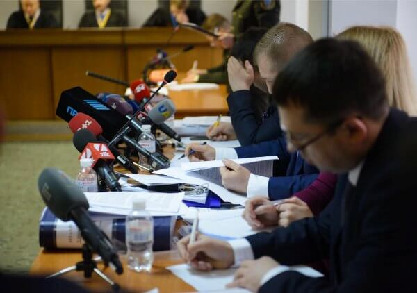 Yanukovych treason trial calls back defense witnesses