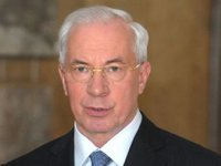 Azarov vows to provide Ukrainian companies with state order for modern medical equipment in 2013