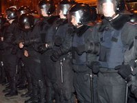 Berkut riot police destroy protesters' roadblock on Luteranska Street, injuries reported