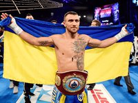 Lomachenko retains junior lightweight title after Rigondeaux quits