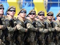 Poroshenko, Turchynov congratulate servicemen on Day of Ukraine's Armed Forces