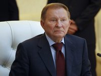 Kuchma discusses Ukraine-U.S. cooperation, Minsk agreements with Petraeus, Herbst