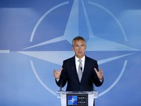 Stoltenberg asks NATO countries to provide more assistance to Ukraine