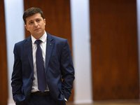 Zelensky calls for finding alternative to Russian oil