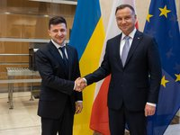 Zelensky pays attention of Duda to transport licenses issue, relaxation of crossing border for goods, people
