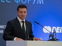 Zelensky promises to invest $20 bln in infrastructure in five years, announces next wave of privatization
